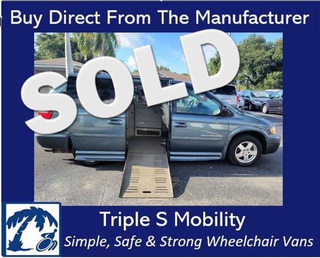 2006 Dodge Grand Caravan Sxt Wheelchair Van Handicap Ramp Van in Pinellas Park, Florida 33781