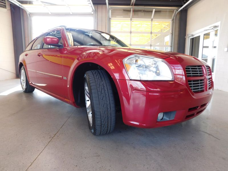 2006 Dodge Magnum SXT  city TN  Doug Justus Auto Center Inc  in Airport Motor Mile ( Metro Knoxville ), TN
