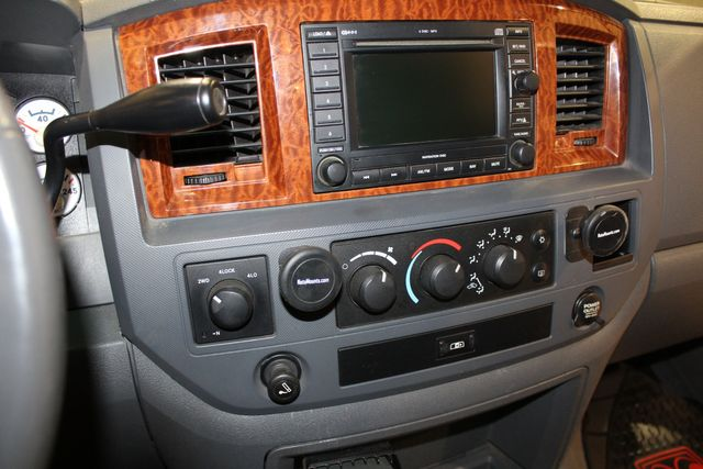 2006 Dodge Ram 2500 SLT in Roscoe, IL 61073