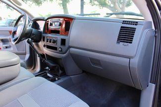 2006 Dodge Ram 2500 SLT Big Horn Quad Cab 2WD 5.9L Cummins Diesel 6 Speed Manual Sealy, Texas 39