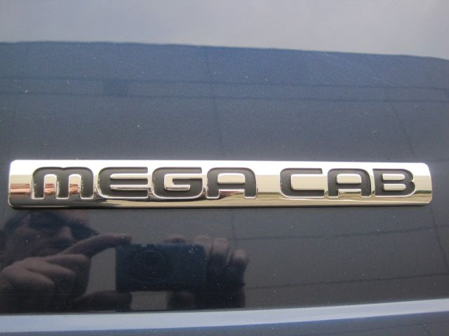 2006 Dodge Ram 3500 Mega Cab SLT, Leather, 5.9 Cummins Diesel Only 123k Miles in Plano, Texas 75074