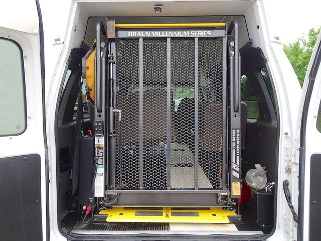 2006 Ford E-350SD Commercial Madison, NC 31