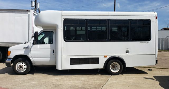 2006 Ford E450 VN in Irving, Texas 75060