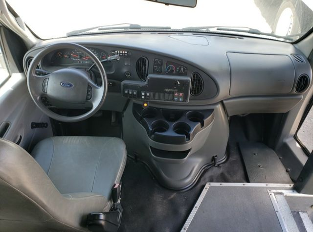 2006 Ford E450 VN Irving, Texas 6