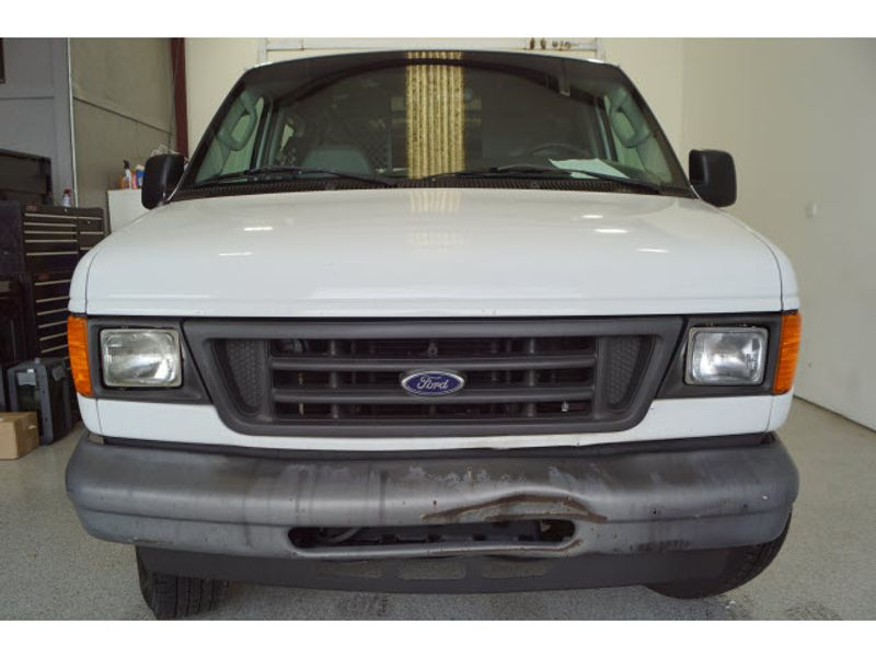 2006 Ford Econoline Cargo Van E-250  city Texas  Vista Cars and Trucks  in Houston, Texas