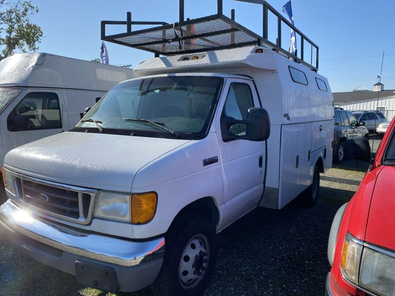 2006 Ford Econoline Commercial Cutaway E350 SUPER DUTY CUTAWAY VAN  city MD  South County Public Auto Auction  in Harwood, MD