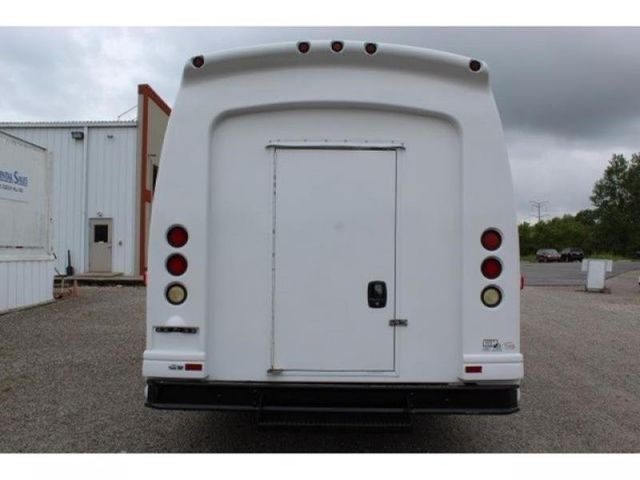 2006 Ford Econoline Commercial Cutaway E-450 Super Duty WB DRW in St. Louis, MO 63043