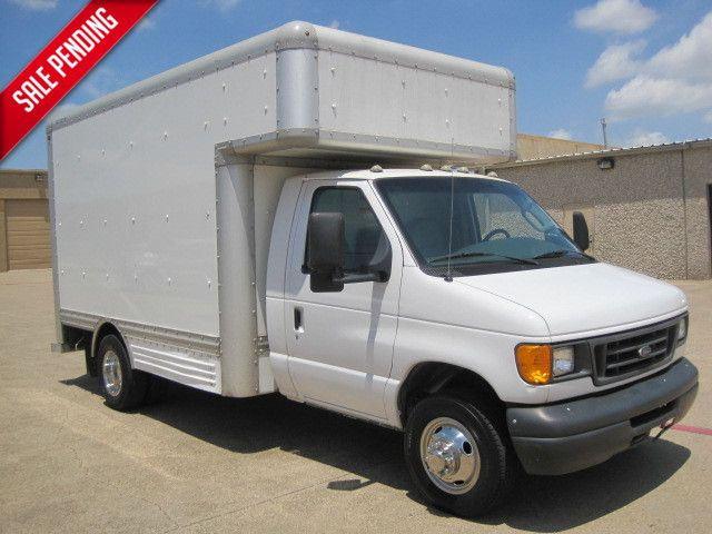 2006 Ford Econoline Commercial Box Van very clean, ONLY 90k Miles in Plano, Texas 75074
