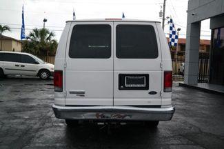 2006 Ford Econoline Wagon XLT Hialeah, Florida 4