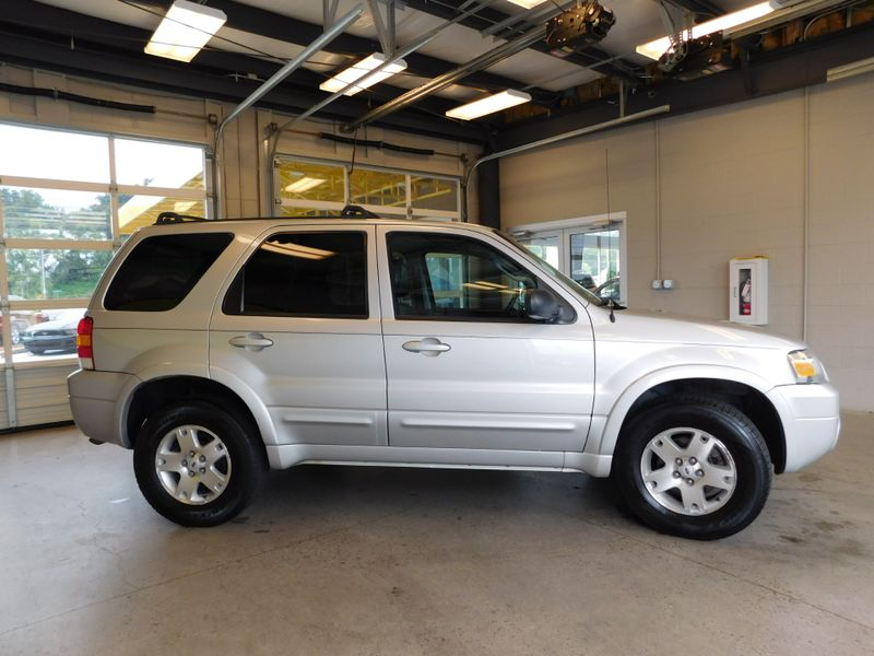 2006 Ford Escape Limited  city TN  Doug Justus Auto Center Inc  in Airport Motor Mile ( Metro Knoxville ), TN
