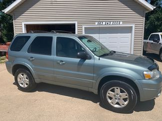 2006 Ford Escape Limited in Clinton, IA 52732