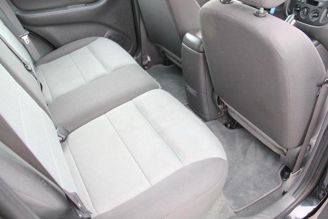 2006 Ford Escape XLS Santa Clarita, CA 16