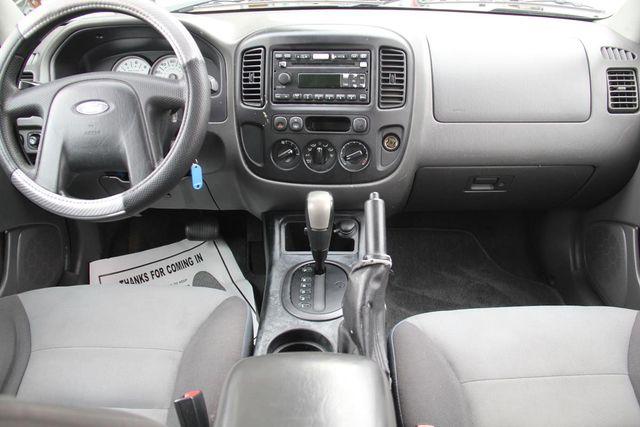 2006 Ford Escape XLS Santa Clarita, CA 7