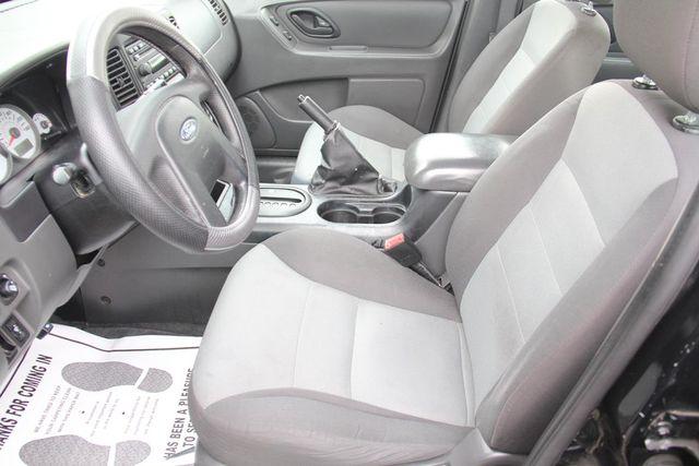 2006 Ford Escape XLS Santa Clarita, CA 13
