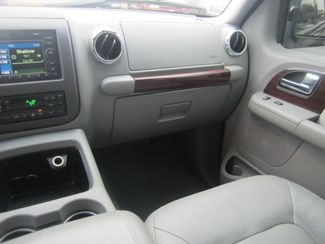 2006 Ford Expedition Limited Batesville, Mississippi 25