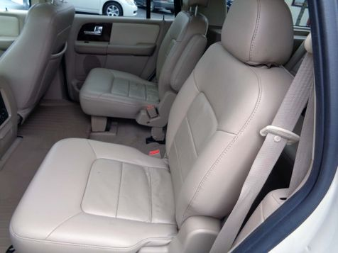 2006 Ford Expedition Limited | Nashville, Tennessee | Auto Mart Used Cars Inc. in Nashville, Tennessee