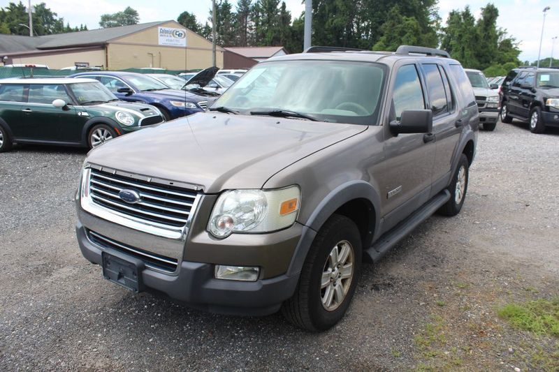 2006 Ford Explorer XLT  city MD  South County Public Auto Auction  in Harwood, MD