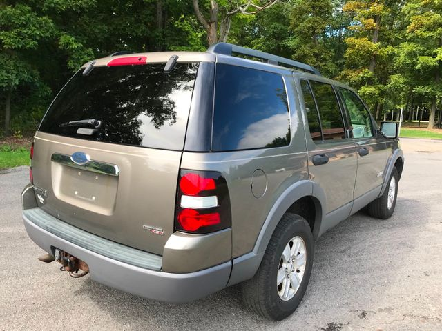 2006 Ford Explorer XLT Ravenna, Ohio 3