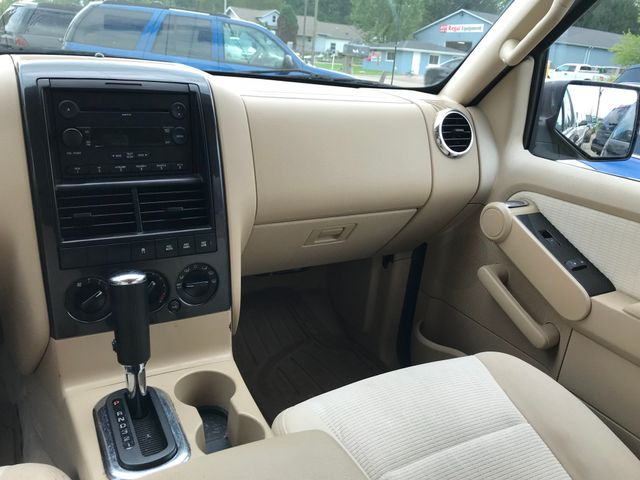 2006 Ford Explorer XLT Ravenna, Ohio 9