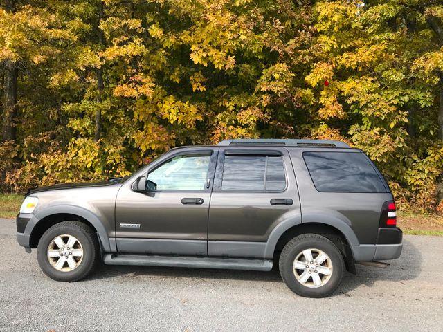 2006 Ford Explorer XLT Ravenna, Ohio 1