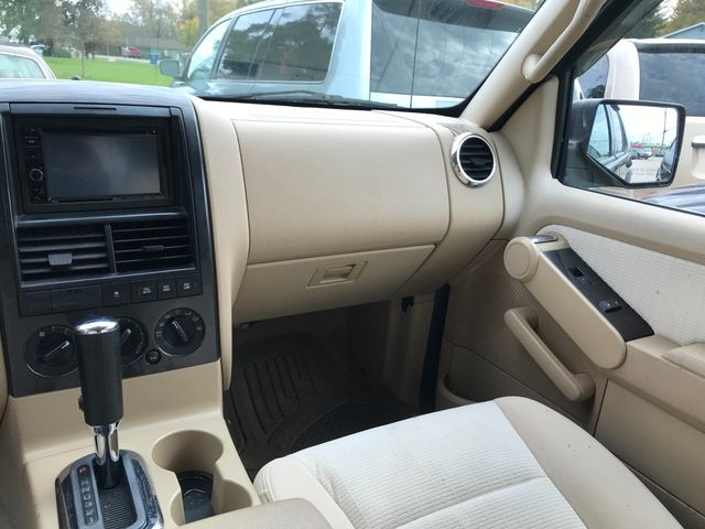 2006 Ford Explorer XLT Ravenna, Ohio 9