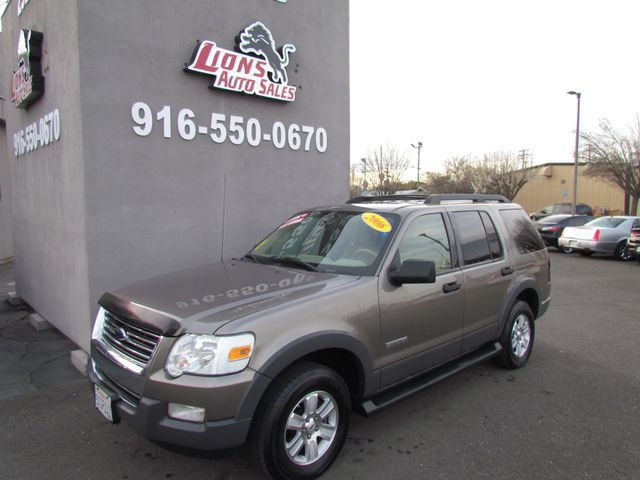 2006 Ford Explorer XLT 4 x 4 in Sacramento, CA 95825