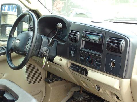 2006 Ford Super Duty F-250 XLT | Pleasanton, TX | Pleasanton Truck Company in Pleasanton, TX