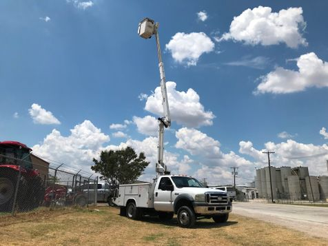 2006 Ford F550 4X4 BUCKET TRUCK   in Fort Worth, TX