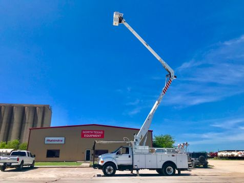 2006 Ford F750 BUCKET TRUCK   in Fort Worth, TX