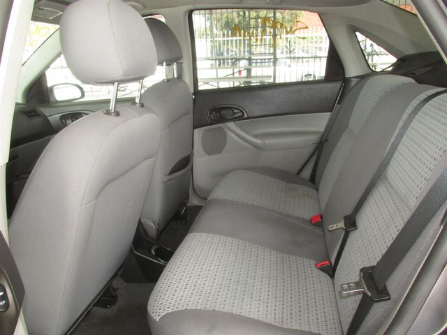 2006 Ford Focus SE Gardena, California 10