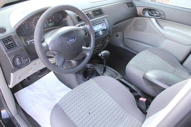 2006 Ford Focus SE Santa Clarita, CA 8