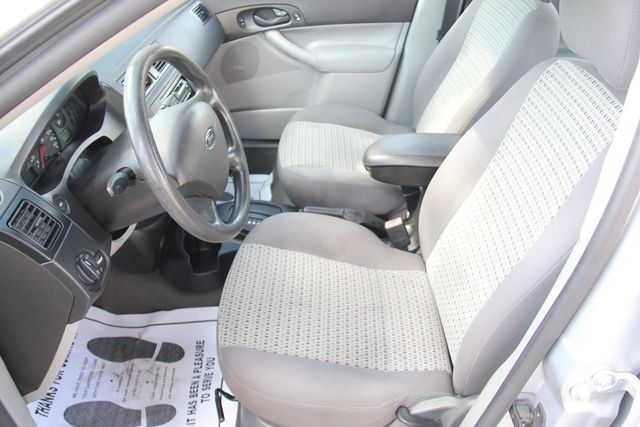 2006 Ford Focus SE Santa Clarita, CA 13