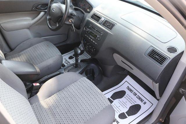 2006 Ford Focus SE Santa Clarita, CA 9