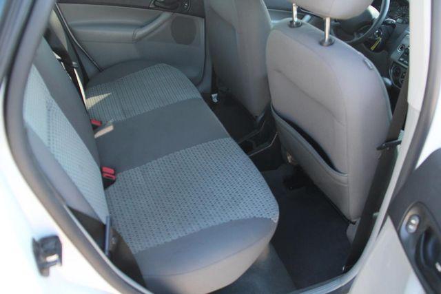 2006 Ford Focus SES Santa Clarita, CA 16
