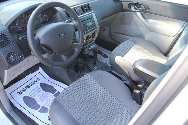 2006 Ford Focus SES Santa Clarita, CA 8