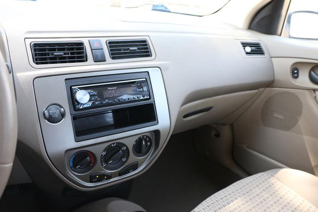 2006 Ford Focus SES Santa Clarita, CA 18