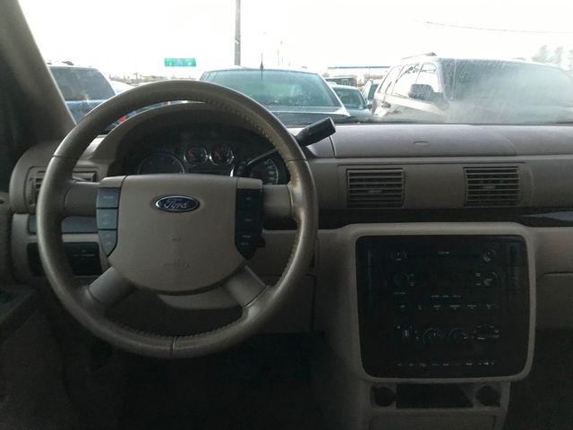 2006 Ford Freestar Wagon SEL Ravenna, Ohio 9