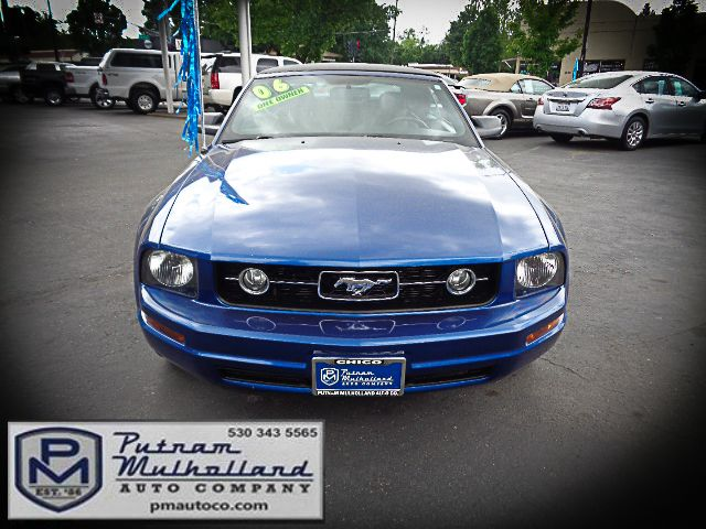 2006 Ford Mustang Deluxe Chico, CA 1