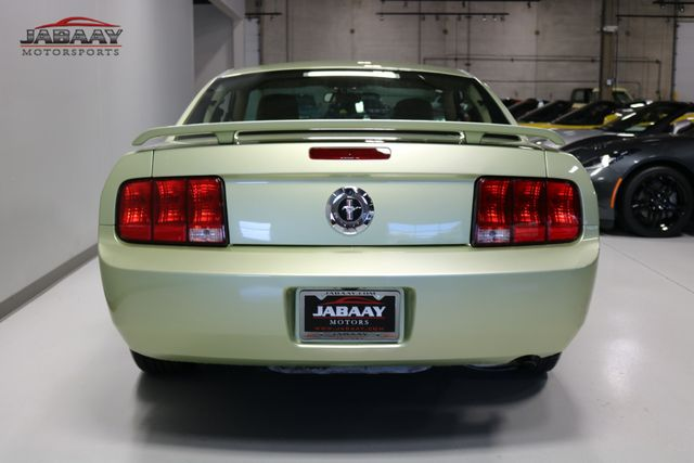 2006 Ford Mustang Standard Merrillville, Indiana 3