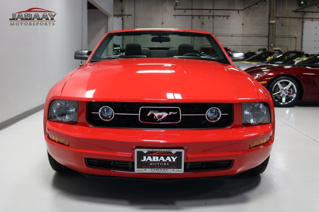 2006 Ford Mustang Deluxe Merrillville, Indiana 7