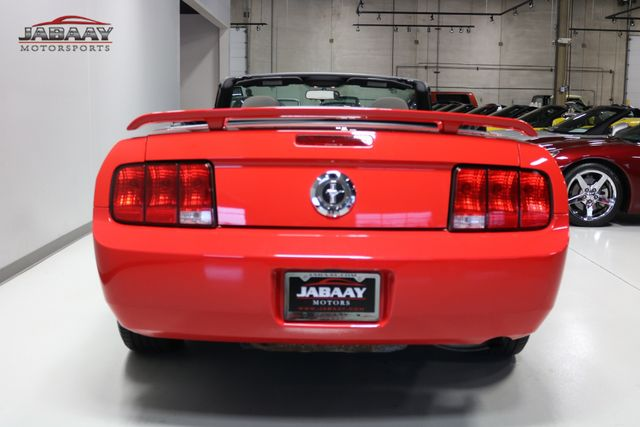 2006 Ford Mustang Deluxe Merrillville, Indiana 3