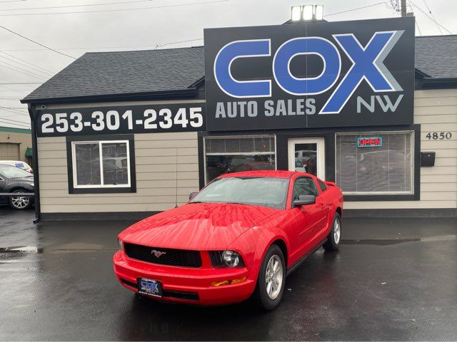 2006 Ford Mustang Deluxe