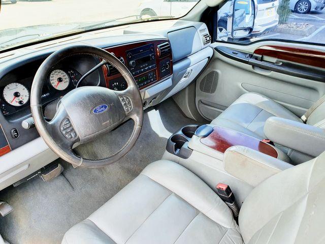 "2006 Ford Super Duty F-250 Lariat 4WD 6.0L V8 TDSL FX4 w/Leather/18"" Alloys in Louisville, TN 37777"