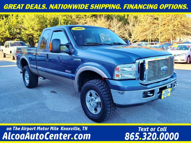 "2006 Ford Super Duty F-250 Lariat 4WD 6.0L V8 TDSL FX4 Pkg Leather/17"" in Louisville, TN 37777"