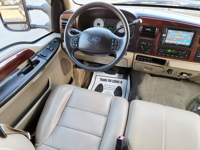 "2006 Ford Super Duty F-250 Lariat 4WD 6.0L V8 TDSL FX4 Pkg Leather/17"" in Louisville, TN 37777"