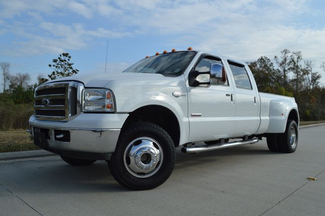 2006 Ford F-350 King Ranch: 2006 Ford Super Duty F-350 DRW King Ranch 156975 Miles White Pickup Truck 8 Auto