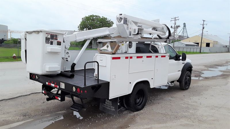 2006 Ford  F-550 ALTEC 43FT BOOM AC POWER STROKE DIESEL  city TX  North Texas Equipment  in Fort Worth, TX