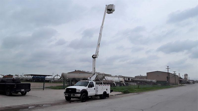 2006 Ford  F-550 ALTEC 43FT BOOM AC POWER STROKE DIESEL  city TX  North Texas Equipment  in Fort Worth, TX