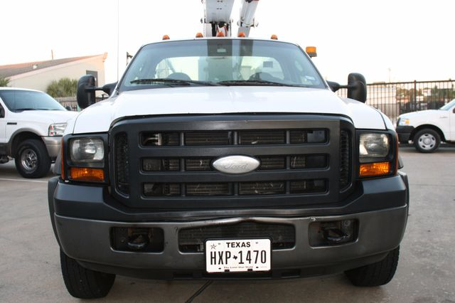 2006 Ford Super Duty F-550 DRW XLT Bucket Boom Houston, Texas 0