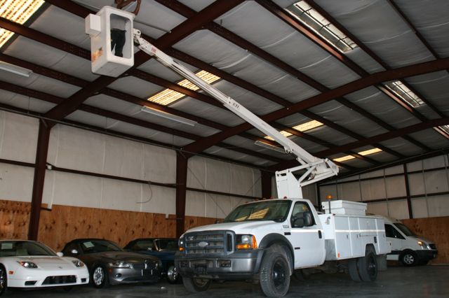 2006 Ford Super Duty F-550 DRW XLT Bucket Boom Houston, Texas 21
